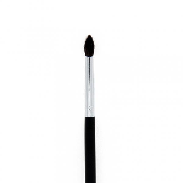 Crown Brush C528 Pro Crease Detail Brush