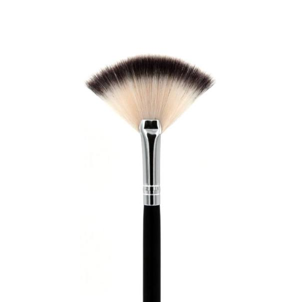 Crown Brush SS017 Deluxe Soft Highlight Fan